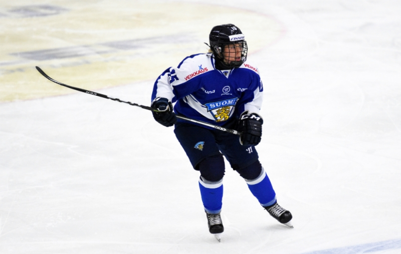 Team Finland defender Minttu Tuominen skates up the ice. (Mats Bekkevold)